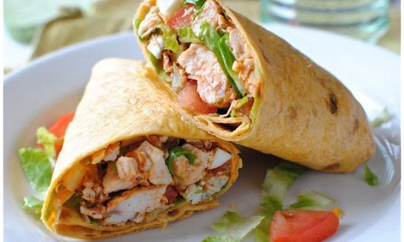 Chicken Wrap con Salsa PB2